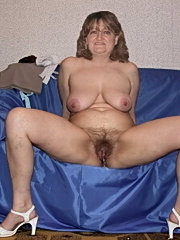 Perfect amateur mature chick showing great tits