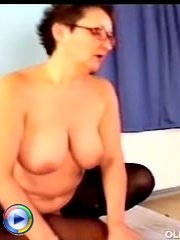 Perverted bear butt drilling dirty mature whore on sofa
