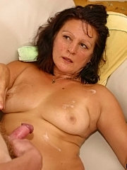 Horny mom getting her pussy licked and anus rammed