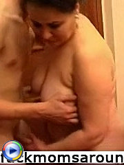 Lad was not disappointed with hot body of that mature dame and fucked her hard