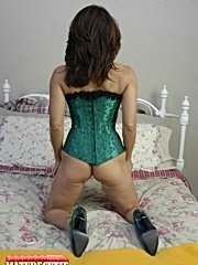 Granny and girl sex old mature slut licking pussy