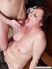 Horny mom seducing the young delivery guy