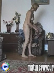 Milf stretching her holes on spy cam