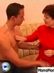 Sexy mature lady gets seduced by pizza-guy and had to satisfy all his dirty fantasies