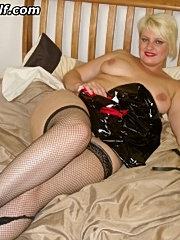 Massive tits milf in stockings gets laid