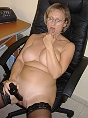 Mature mom have new anal experience
