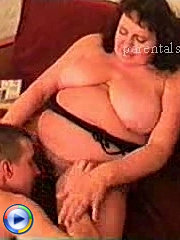 Big beautiful mommy teaches the lad how to make her happy