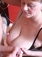 Granny brunette undress large old mature tit