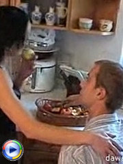 Lad called his mature girlfriend and an hour later sat on the kitchen table and he plunged his man-tool deep inside her pussy