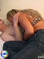 Nasty young dick enjoys drilling a hot mature cougar in bed